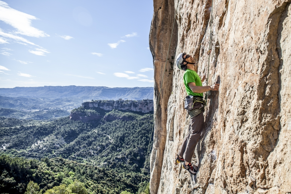 winter climbing in siurana